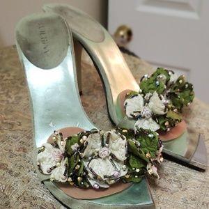 Peep toe sandals  w heels